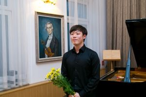 John Bae during the closing concert. Photo by Andrzej Solnica.